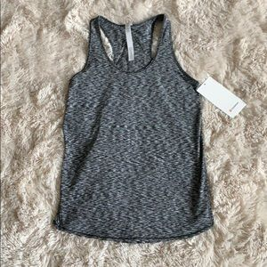 Brand new lululemon essential tank